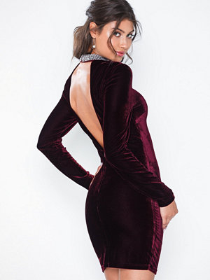 NLY Eve Beaded Velvet Dress
