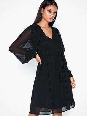 Sisters Point Noki Puff Dress