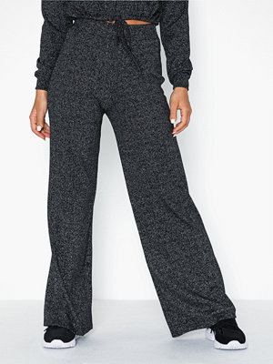 NLY Trend svarta byxor Rib Glitter Pants