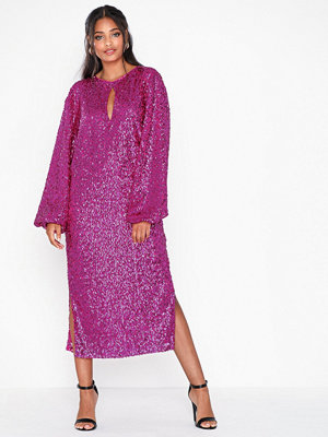 NLY Eve Bold Sleeve Sequin Dress