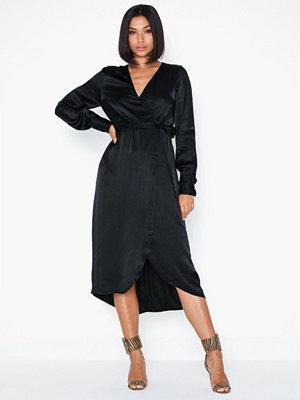 Vero Moda Vmgili 7/8 Calf Wrap Dress SB1
