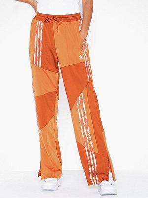 Adidas Originals mönstrade byxor Dc Fb Tp