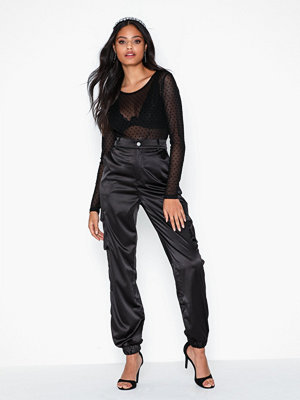 Missguided byxor Satin Cargo Joggers