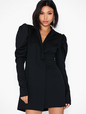 NLY One Power Blazer Dress