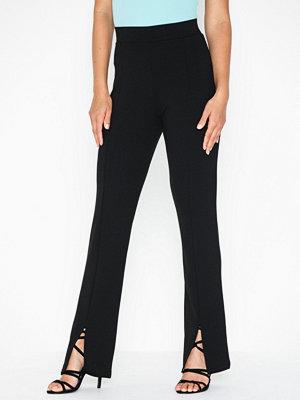 NLY Trend svarta byxor Front Slit Pants