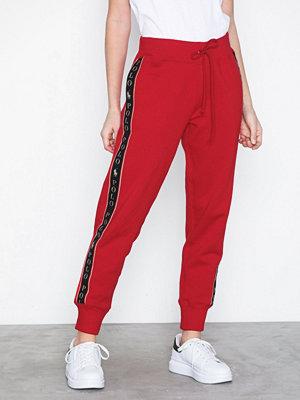 Polo Ralph Lauren röda byxor med tryck Cny Swtpnt-Ankle-Pant