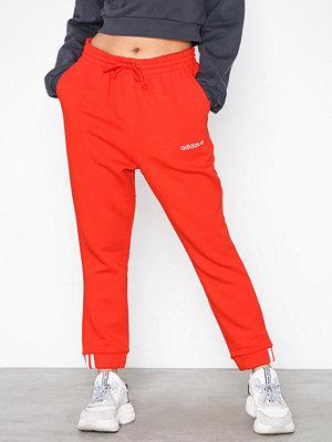 Adidas Originals röda byxor Coeeze PANT