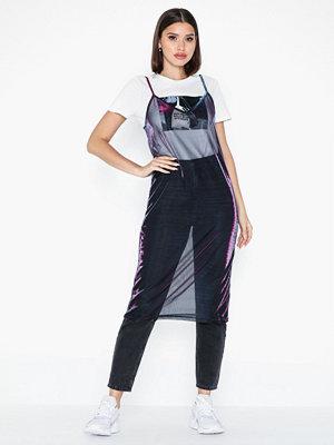 NLY Trend Shimmer Slip Dress