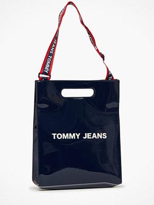 Tommy Jeans marinblå axelväska med tryck Tjw Item Tote Pu