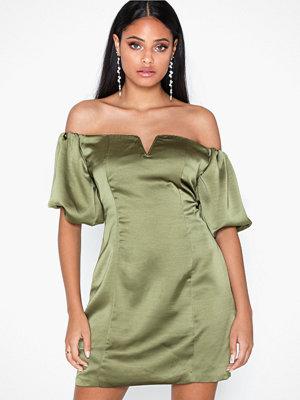 Glamorous Satin Balloon Sleeve Dress