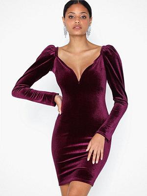NLY One Volume Sleeve Velvet Dress