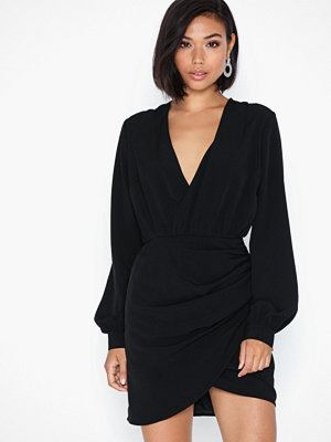 Festklänningar - NLY Trend Wrap On Dress