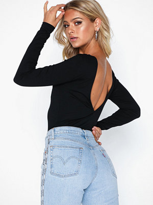 NLY Trend Deep Back Top Svart