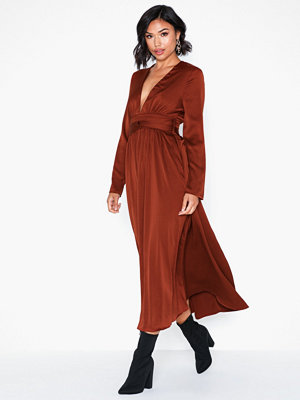 Glamorous Long Sleeve Satin Dress