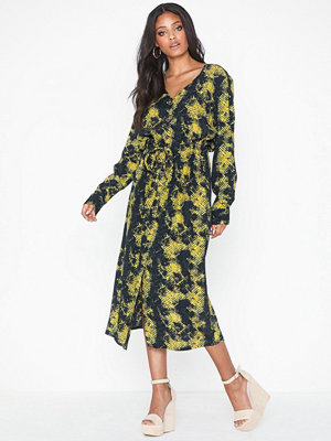 Only Onlmaly Calf L/S Dress Wvn