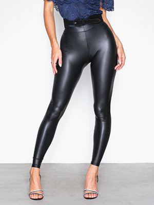 Pieces svarta byxor Pcnew Shiny Leggings Noos