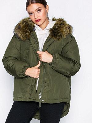 Only onlRIKKE Oversized Nylon Jacket Otw