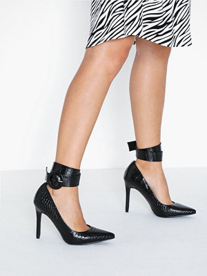 NLY Shoes Ankle Cuff Pump