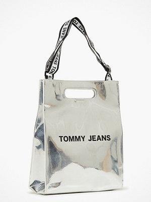 Tommy Jeans axelväska Tjw Item Tote Silver