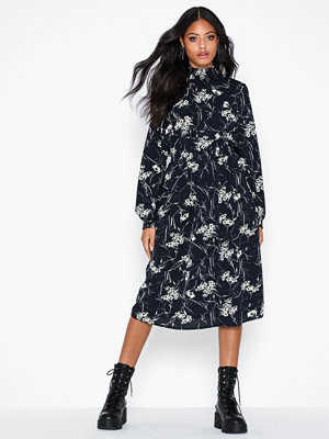 Only Onlnova Lux Aop Smock High Dress 8