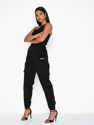 Adidas Originals svarta byxor Hw Cargo Pant