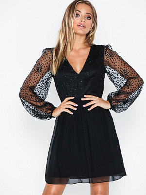 NLY Eve Ritzy Glitter Skater Dress