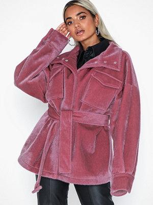 Fuskpälsjackor - NLY Trend Hairy Belted Jacket