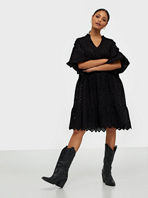 Neo Noir Kiko Embroidery Dress