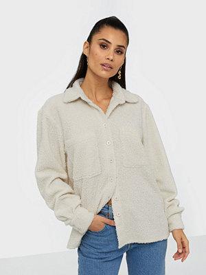 Skjortor - NLY Trend Furry Shirt