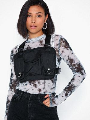 NLY Accessories svart ryggsäck Buckle Up Bag