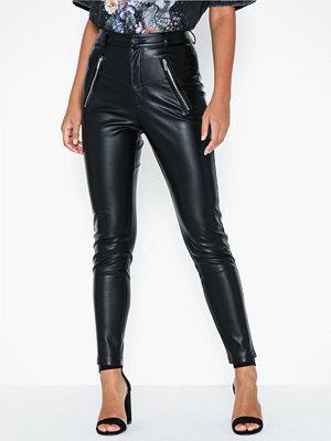 NLY Trend svarta byxor Zip Front Pu Pants