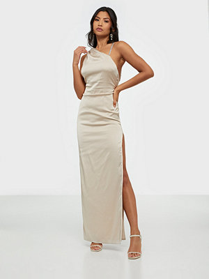 NLY Eve Powerful Chain Strap Gown