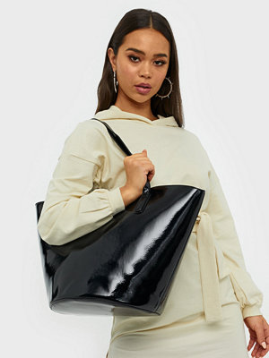 Handväskor - NLY Accessories Shaped Shopper Bag