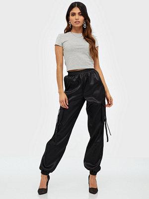 Parisian svarta byxor Satin Utiliy Trousers