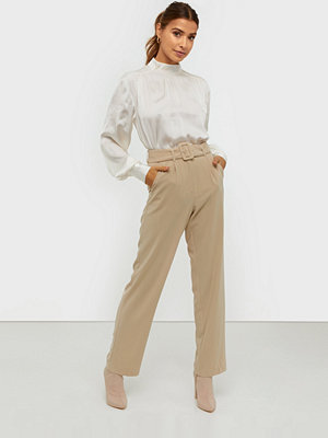 NLY Trend omönstrade byxor Belted Suit Pants