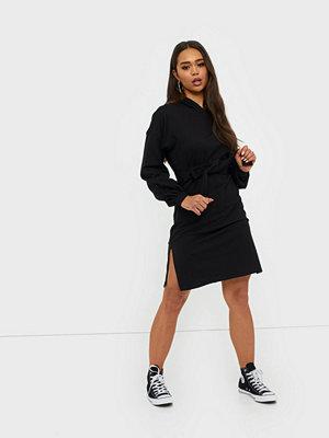 NLY Trend Hoodie Belt Dress