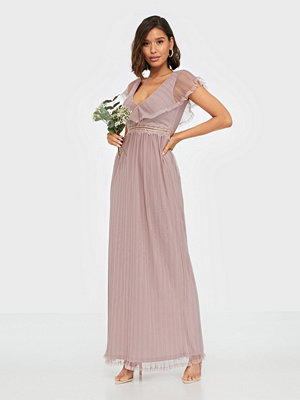 NLY Eve Unforgettable Frill Gown
