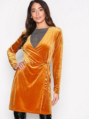 Vila Vivelvetine Short Dress/2