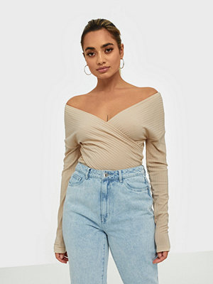 NLY Trend Criss Cross Shoulder Top
