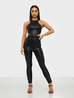 NLY One svarta byxor Croc Leather Look Pant