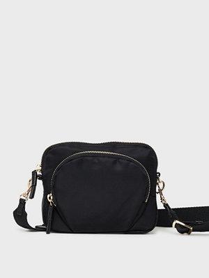 Filippa K svart axelväska Mini Nylon Bag