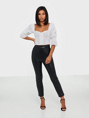 NLY Trend svarta byxor Stunning Pu Pants
