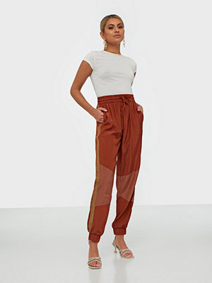 Pieces omönstrade byxor Pclilo Hw Track Pants D2D