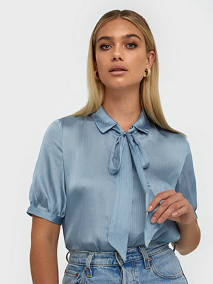 Vila Visuwavey S/S Bow Shirt /Su