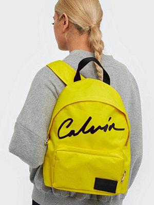 Calvin Klein Jeans gul ryggsäck med tryck Ckj Sport Essentials Campus BP35