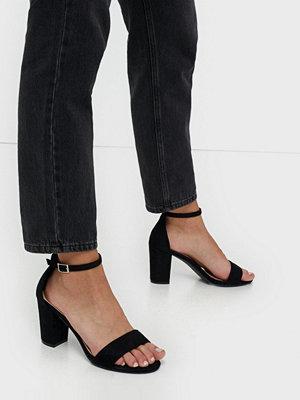 NLY Shoes Block Mid Heel Sandal Svart