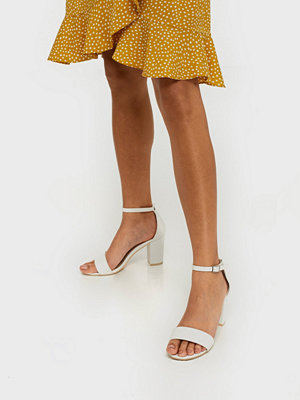 Pumps & klackskor - NLY Shoes Block Mid Heel Sandal Vit