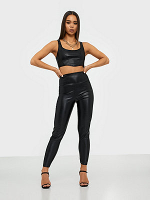 NLY One svarta byxor Leather Look Slim Pant
