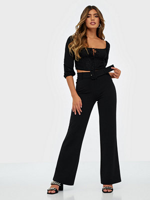 NLY Trend svarta byxor Tailored Belt Pants