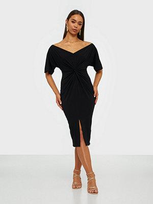 NLY One Flowy Sleeve Midi Dress